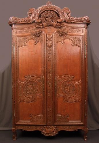 armoire normande fécampoise.jpg