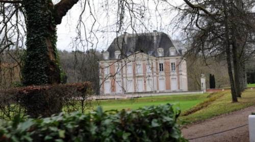 giscard château.jpg