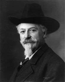 Buffalo Bill photographié en 1911.jpg