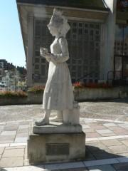 Statue M. HAREL VIMOUTIERS.jpg