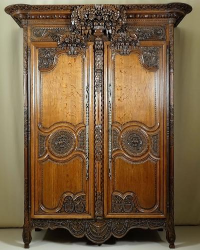armoire normande bayeux.jpg