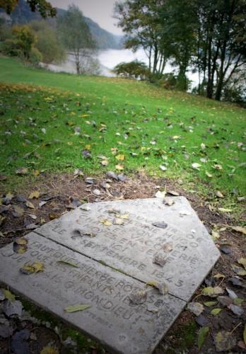 Monument Drame Villequier.JPG
